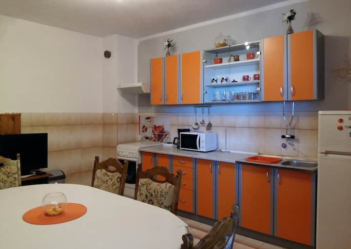 Holiday home 193376 - Holiday apartment 233511