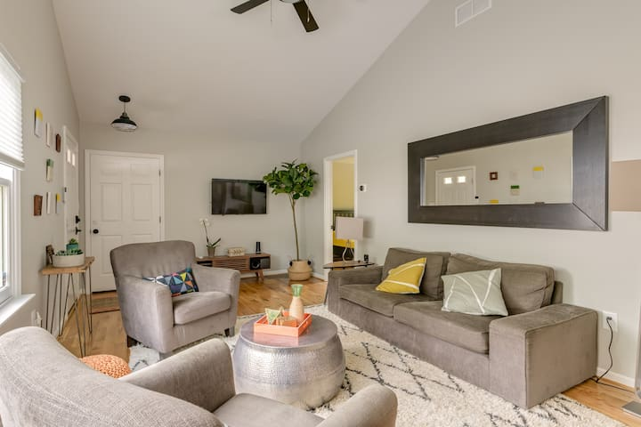 Ideal Downtown Getaway-walkable to everything!