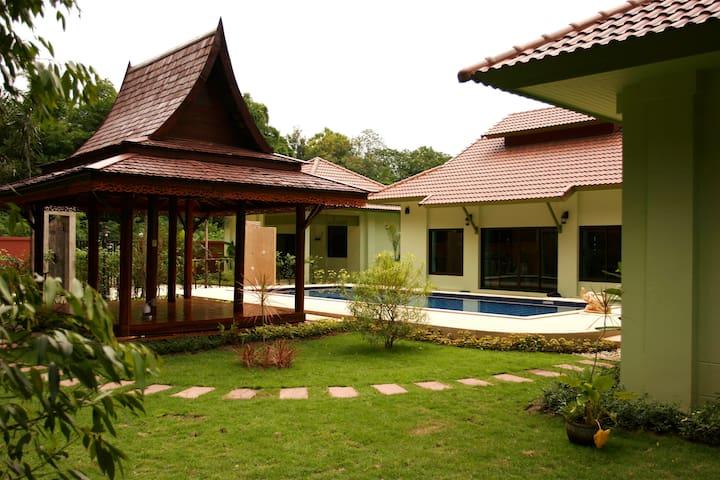 Kraten Pool Villa (2-bedroom, The Villa Vanali)