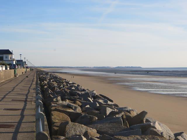 Gite neuf dans bourg pittoresque à 1.5km de la mer