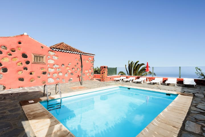 Cottage Los Draguitos with private Pool