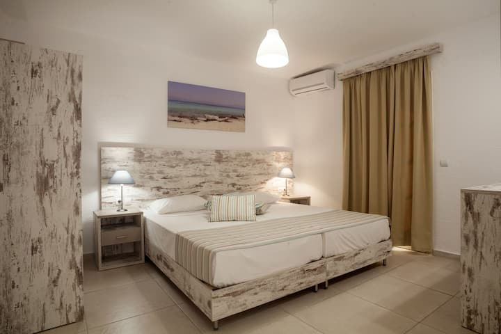 Evina rooms & villas - Home away from home