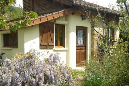 Maisonnette & jardin à Palaiseau limite Orsay.