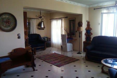 Big apartment for 2- 5/6 Persons - Apartemen
