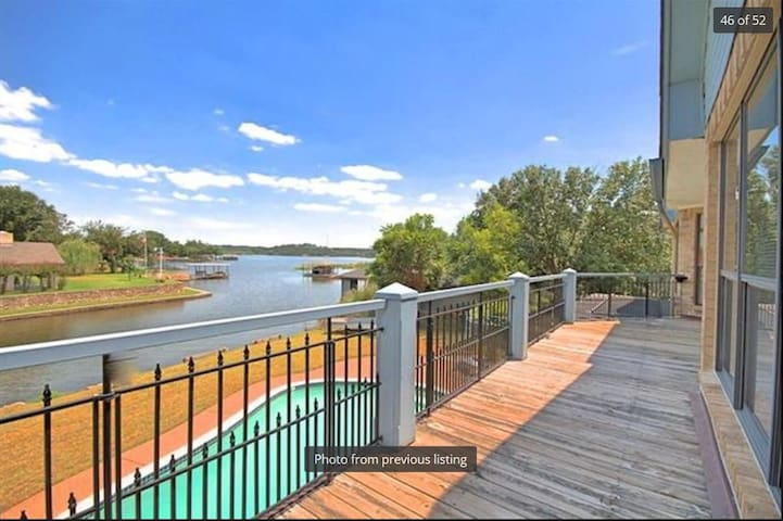 Granbury lakehouse for Lrg Families w pool/wifi - Granbury - Dům