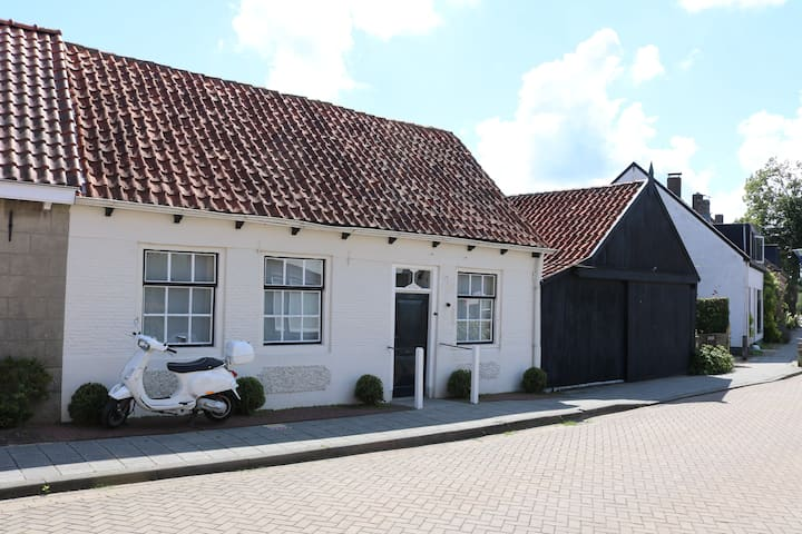 Romantic House With Garden Close to Knokke&Cadzand