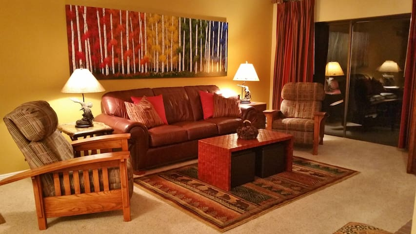 Living Room - Very comfortable and attractive, queen pullout, private balcony