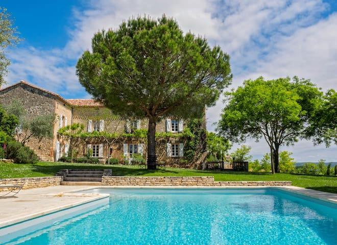 Luxury French farmhouse w/pool and panoramic views - Teyssode - Rumah