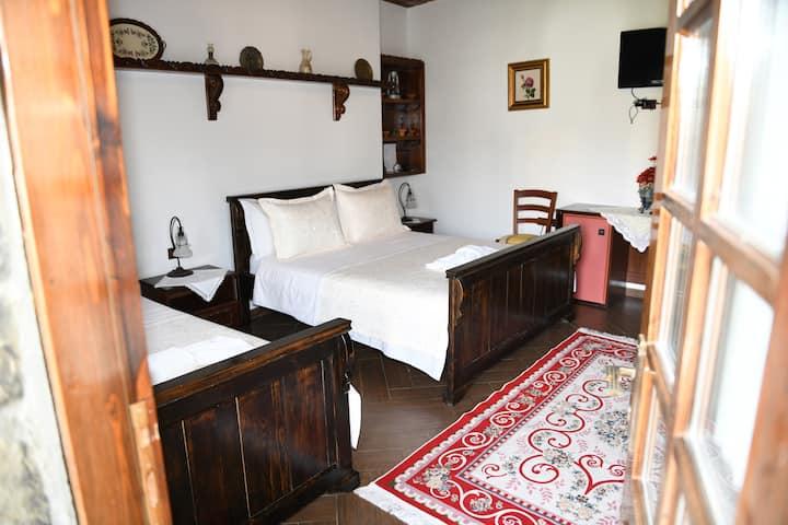 Standard Twin Room 1- Hotel Kaceli
