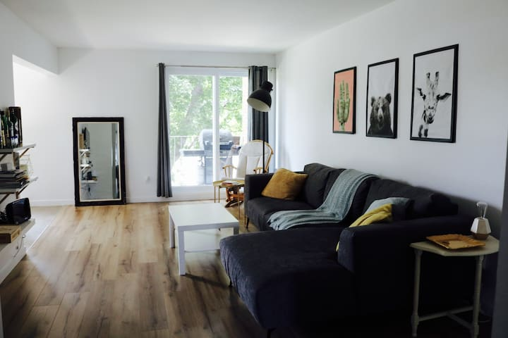 Large and cozy apartment with perfect location!
