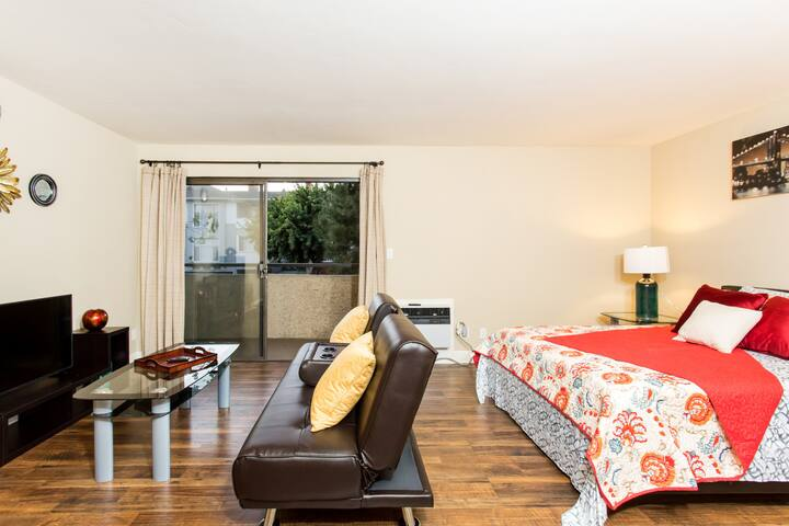 Quiet Living in Heart of Westwood | 10min to UCLA