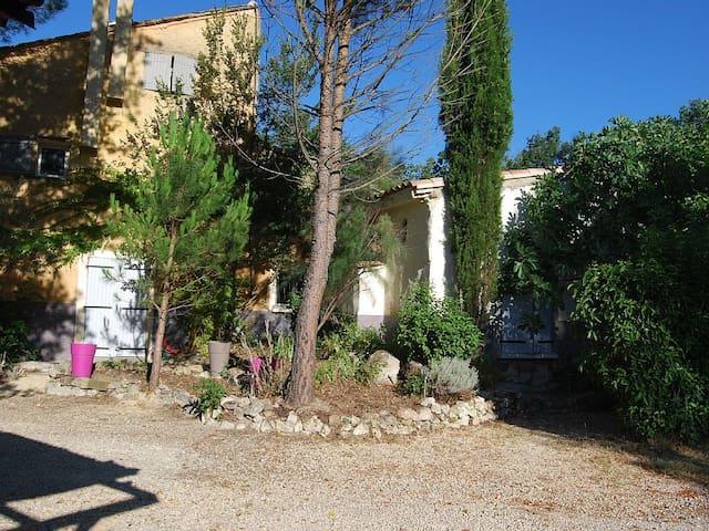 Gîte Dentelles en Provence Ventoux - Loriol-du-Comtat - Natuur/eco-lodge