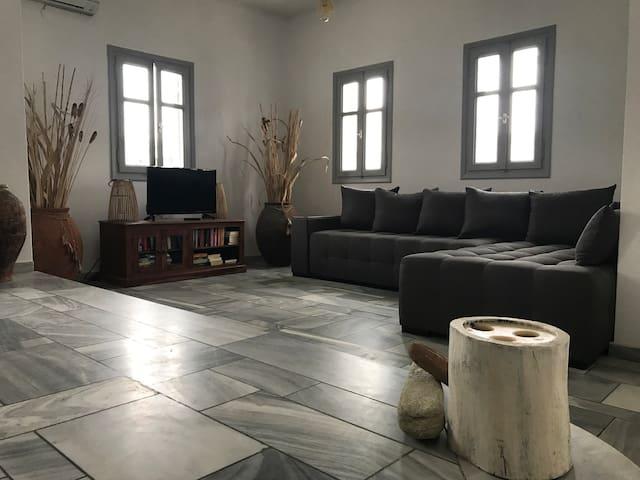blanc Tinos ( kionia Tinos 1f) - Κιόνια - House