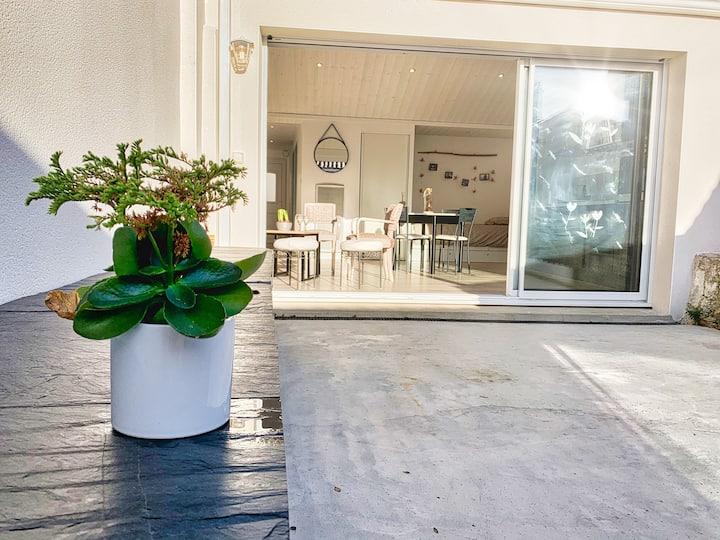 Agréable Maison sablaise avec jardin-terrasse