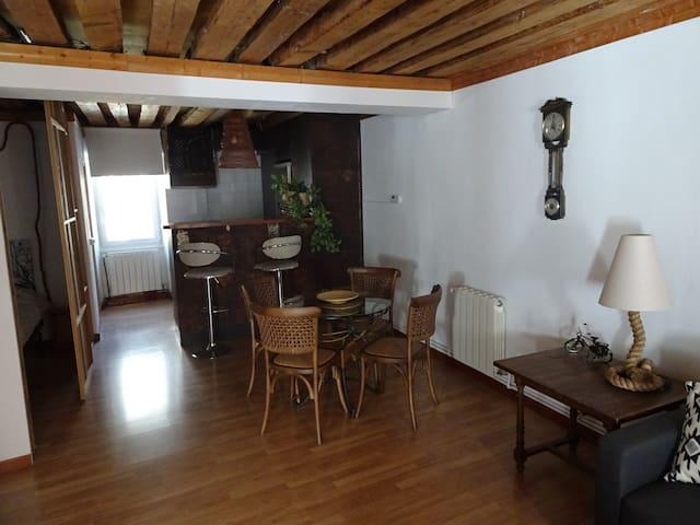 Great APARTMENT in EL ESCORIAL-4PAX-WIFI