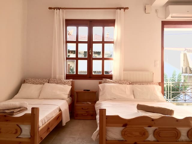 [1] - Cozy apartment in Tyros beach