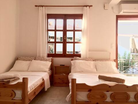 [1] - Уютная квартира в Tyros Beach