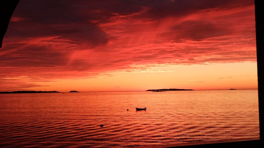 Sunrise Kingdom -- oceanfront paradise in Salem - Salem - Apto. en complejo residencial