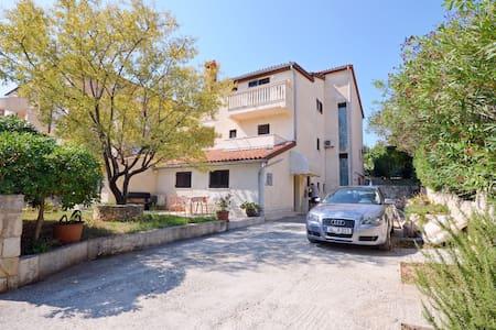 Apartment Livio (72961-A2) - Premantura