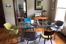 Casual Dining / Sitting Room