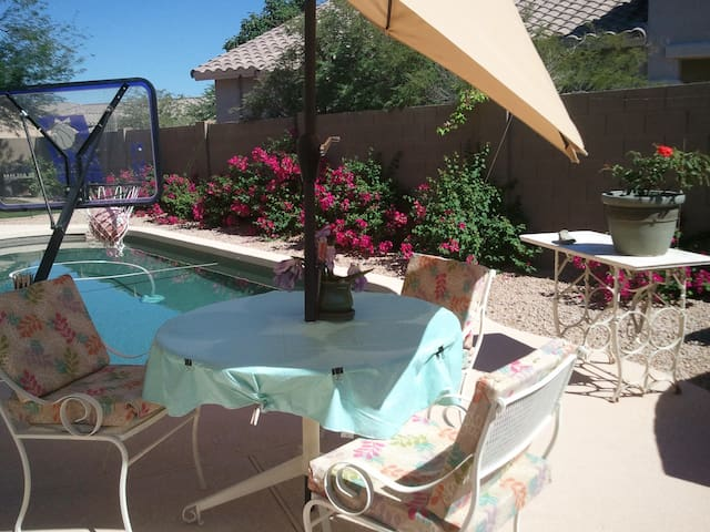 Phoenix, Upscale 2story/Pool. Cooler. NO smokers - Anthem - Maison