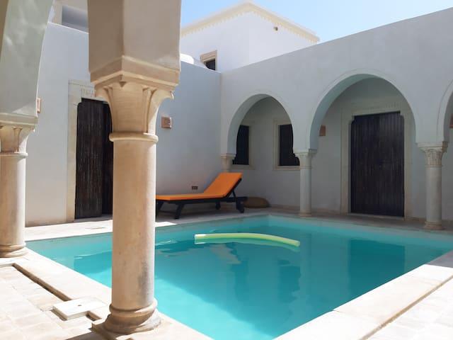 Houch Djerbien