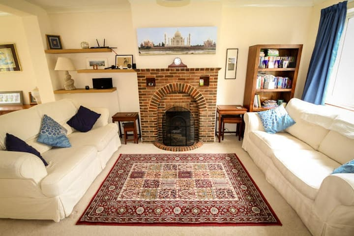 Family-friendly house in Hitchin town centre