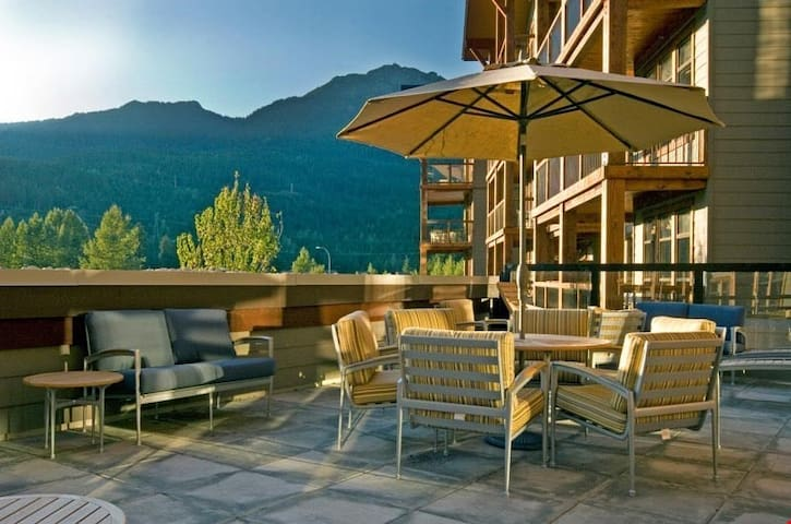 Elegant Suite + Heated Outdoor Pool | 5 Minutes from Downtown Whistler