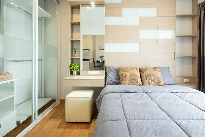 ① 中文服务,公寓楼下MRT地铁,Big C商圈,高档公寓干净整洁。