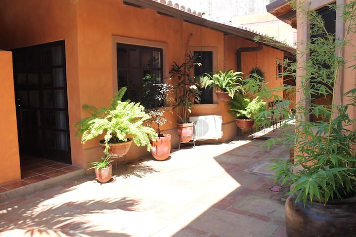 3 Palms Residence, ,  Studio Apartment, center - Granada - Appartement