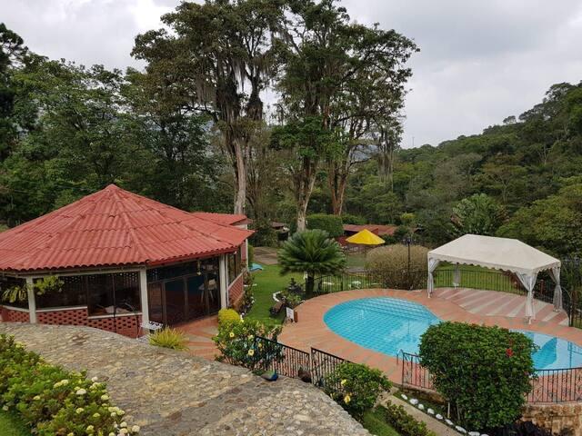 Espectacular casa de campo en Dapa