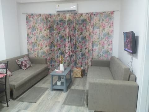Apartment in Sheraton Plaza compound with swimming