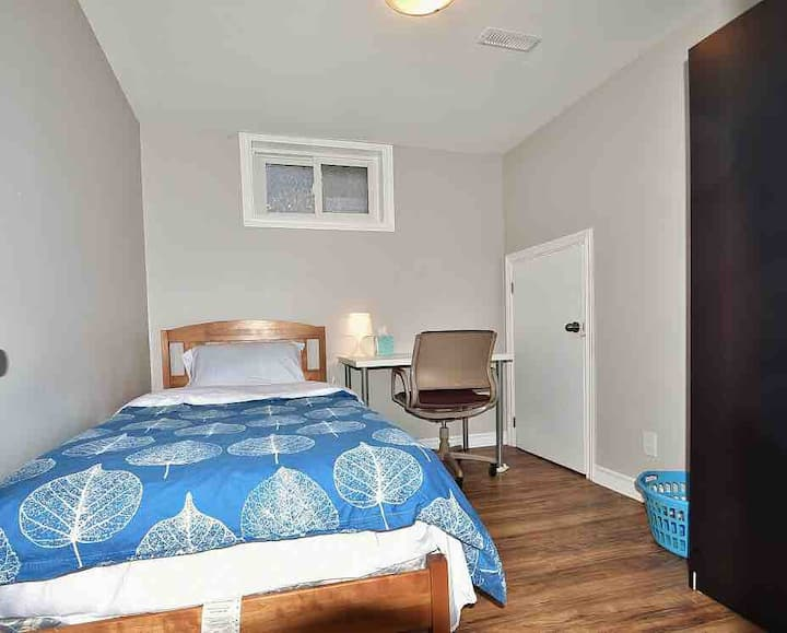 Ottawa/Nepean Private Room 4 (book at least 30 d)