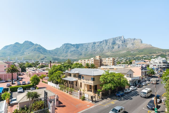 Kloof Street Studio with Breathtaking Views