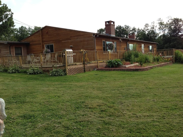 large country ranch on 2 acres