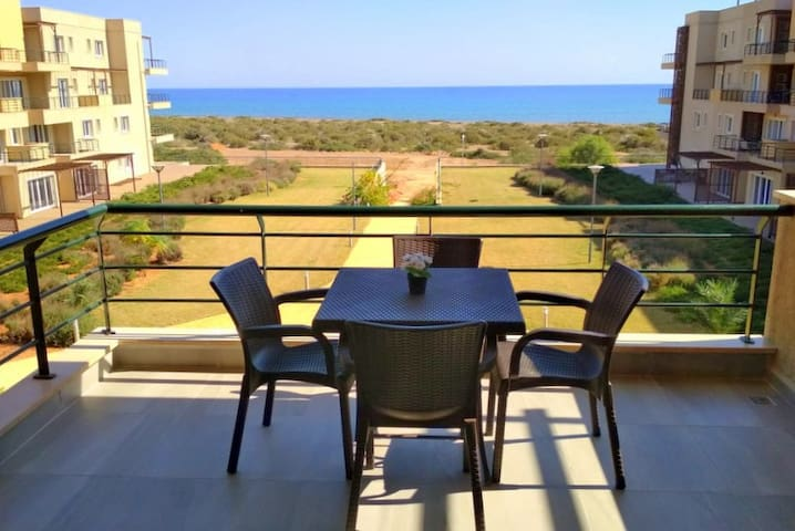 Уютная студия на берегу моря, о.Кипр.
