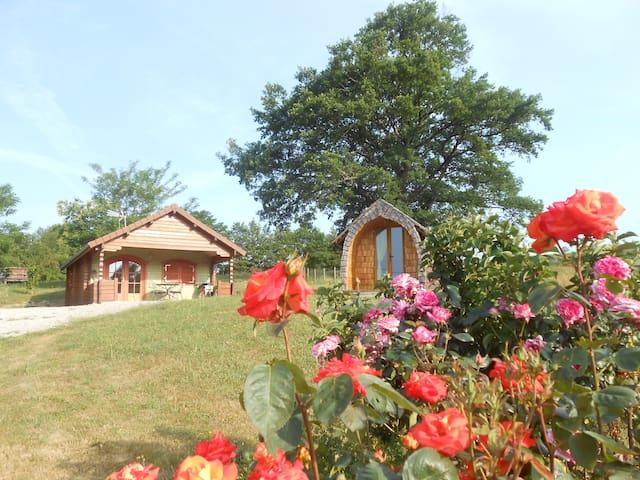 Les Maisons Bois.   Gîte Chalet + Pidou.