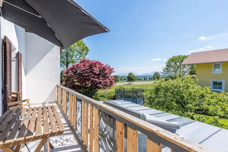 Modern Apartment Selina with Lake View, Mountain View, Wi-Fi, Balcony & Garden; Parking Available