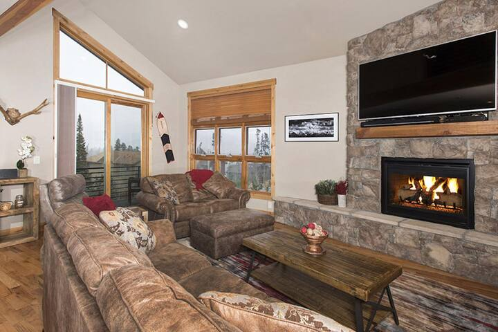 UP TO 50% OFF Till 4/23! DOG FRIENDLY Townhome Continental Divide View-Private HOT TUB-FREE FUN Pkg! - Wildernest - Casa a schiera