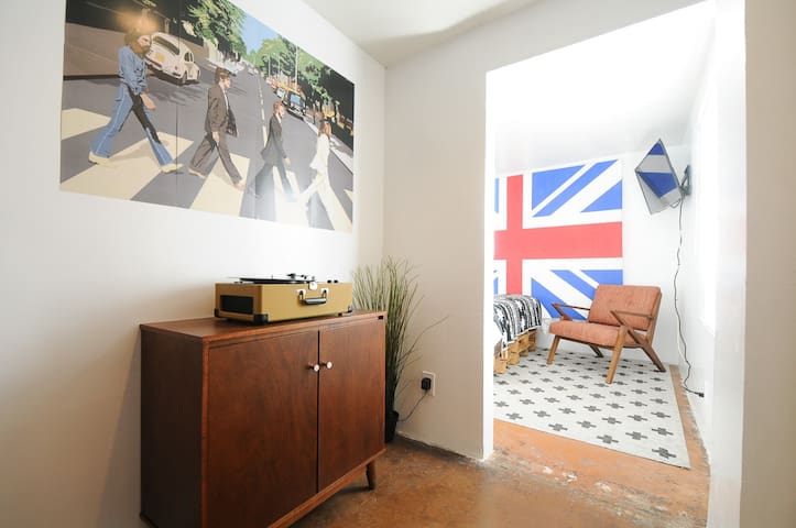 Designer 1 Bed Unit in Coronado Historic District