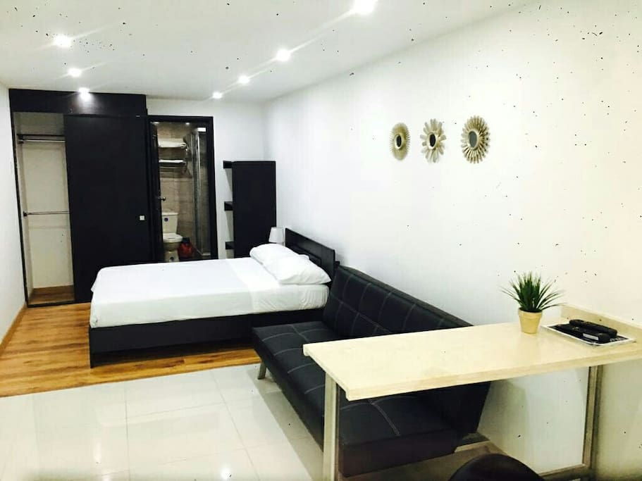 Studio for up to 3 near zona rosa zona t 101 appart for Appart hotel rosas