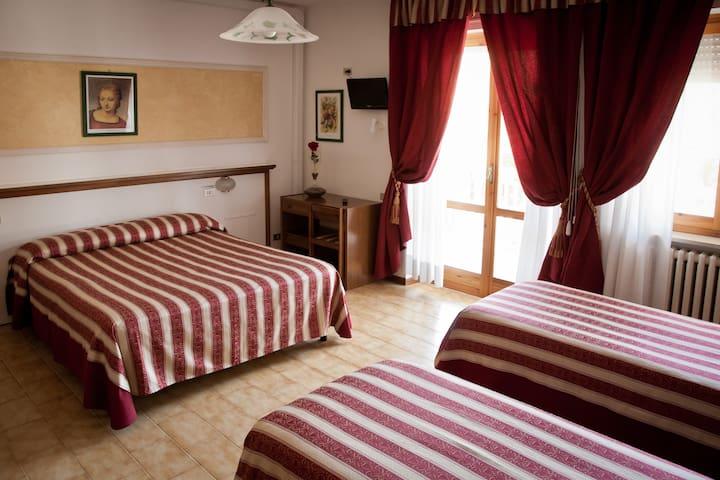 Hotel Vignola Assisi - Family (4 posti letto)