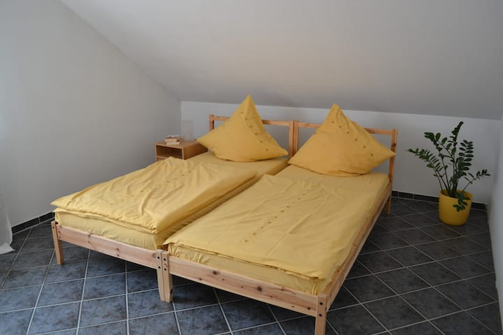 Fair, City Hannover 15 Min. low cost, 5 rooms...