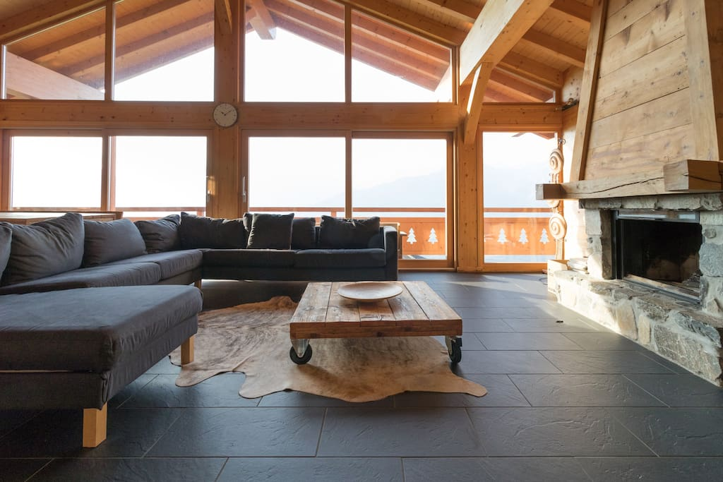 The large livingroom with a view