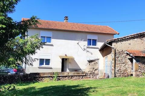 Maison entière de 100m2 Proche château de la roche