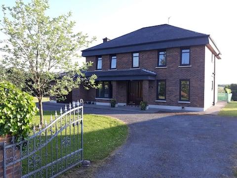 Ohromující 5 lůžkový samostatný dům Kiltimagh, Co. Mayo