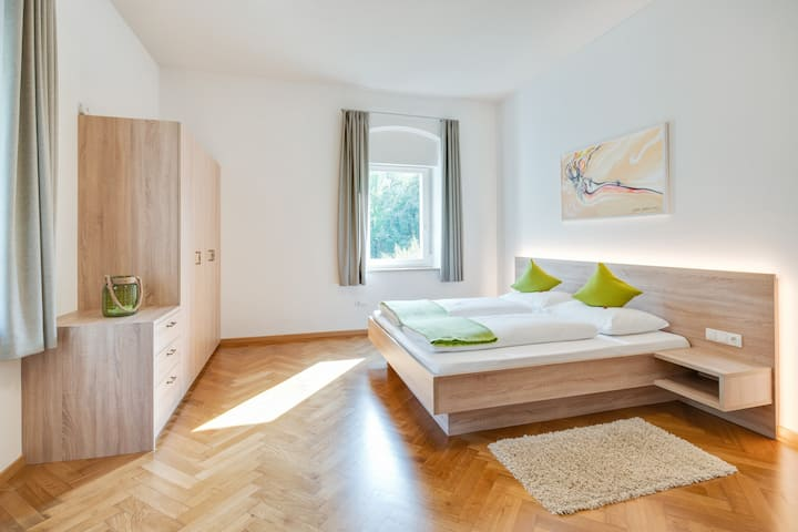 Fantastic Old Building Apartment Daniela in Central Location with Wi-Fi