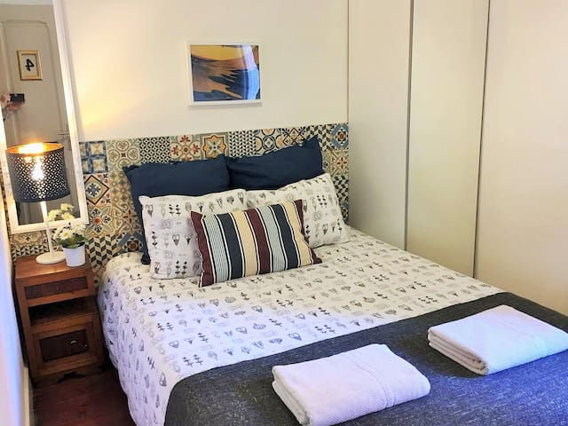 D4 - Double room in great location! Auto check-in