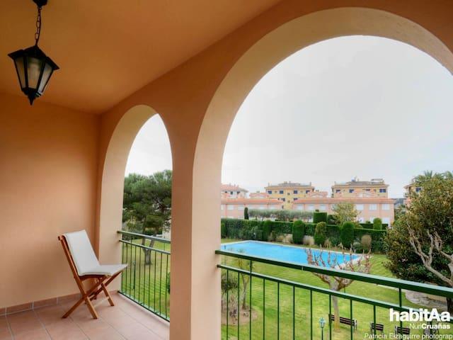 MIMOSES 1- Appartement pour 4/6 personnes avec piscine E31013