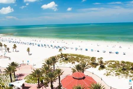 Nature Lovers Dream-Beaches-Nightlife-Sleeps 2 - Clearwater - House